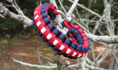 """Survival Straps Paracord Survival Bracelet – """"The Patriot"""""""
