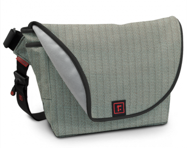 Rickshaw Bagworks – Messenger Bag for iPad 2